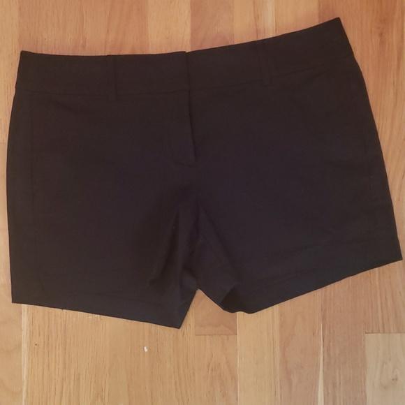 Ann Taylor Pants - Ann Taylor city shorts 10p